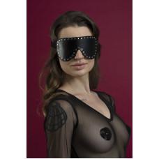 Маска на глаза с заклепками Feral Feelings - Blindfold Mask, натуральная кожа, черная